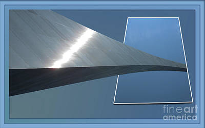 Bounded Area Photograph - Gateway Arch St Louis 06 by Thomas Woolworth