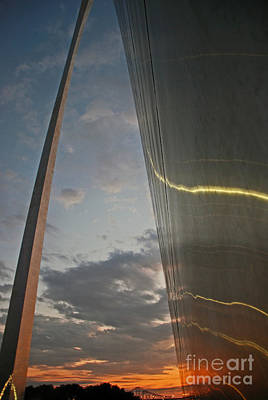 Photograph - Gateway Arch Sunrise by Scott D Welch