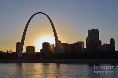 Photograph - Gateway Arch Sunset by Scott D Welch