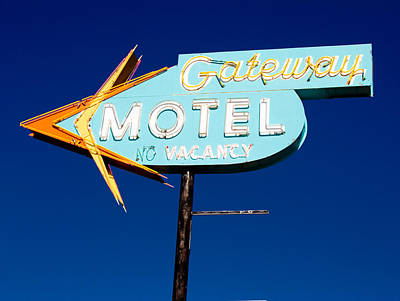 Gateway Motel Art Print by Matthew Bamberg