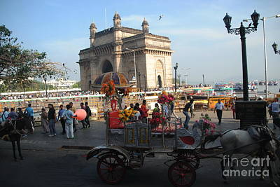 Photograph - Gateway Of India by Jacqueline M Lewis