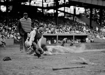 Lou Gehrig Photograph - Gehrig Safe At Home by Benjamin Yeager