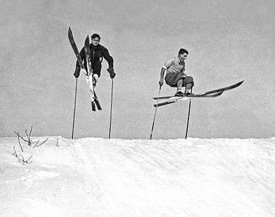 Ski Photograph - Gelandesprungs In St-sauveur by Underwood Archives