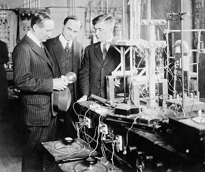 Rodney Photograph - General Electric Research by Library Of Congress