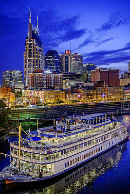 Downtown Nashville Photograph - General Jackson In Nashville by Brett Engle