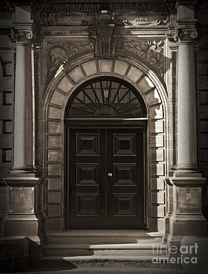 Photograph - Georgian Style Door by Liz Leyden