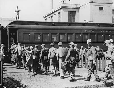 German Pows Boarding A New York Central Art Print by Everett