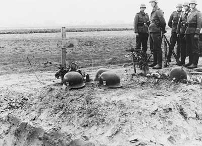 German Waffen-ss Troops At The Helmet Art Print