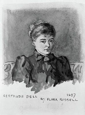 Archaeologists Painting - Gertrude Bell (1868-1926) by Granger