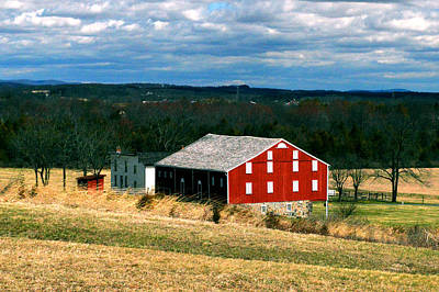 Photograph - Gettysburg Red Barn by Bill Swartwout