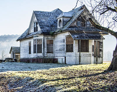 Photograph - Ghost House by Ron Roberts