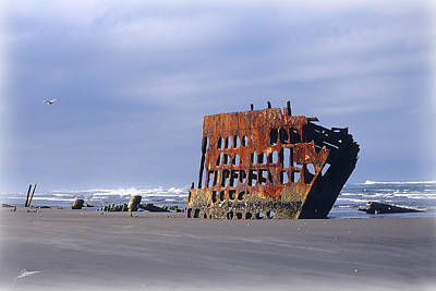 Peter Iredale Photograph - Ghost Of The Peter Iredale by Phil Jensen