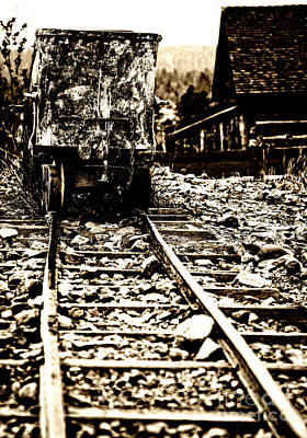 Photograph - Ghost Town Ore Cart by Lincoln Rogers