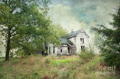 Photograph - Ghostly Abandoned Home by Liane Wright
