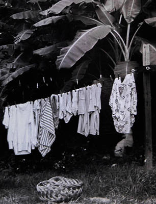 Photograph - Ginas Clothes Line by Christy Usilton