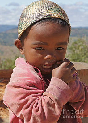 Photograph - girl from Madagascar 2 by Rudi Prott