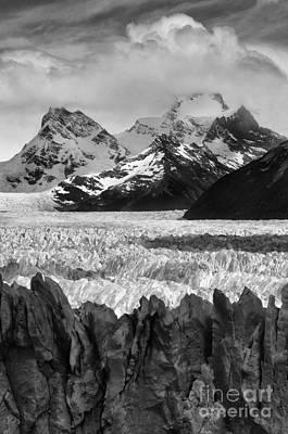 Photograph - Glaciar Perito Moreno Patagonia by Bob Christopher