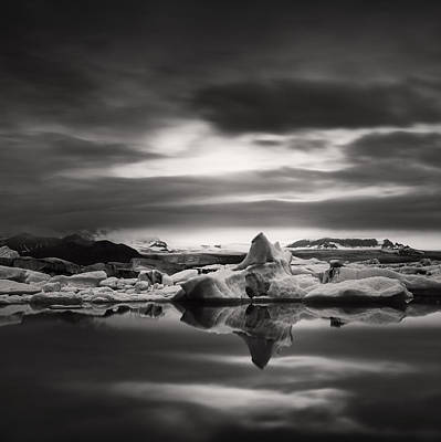 Photograph - Glacier Lagoon by Frodi Brinks