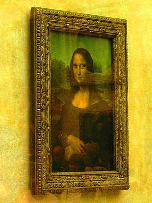 Glance At Mona Lisa Art Print