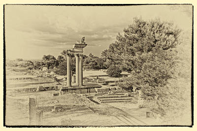 Photograph - Glanum Provence France Antique Plate Dsc02014 by Greg Kluempers