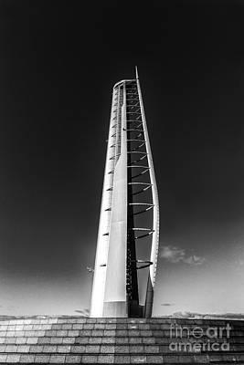 Mean Photograph - Glasgow Tower by John Farnan