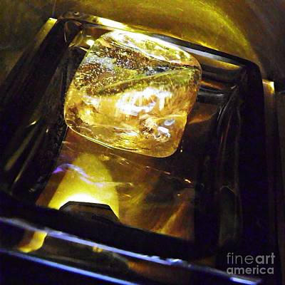 Photograph - Glass Abstract 459 by Sarah Loft
