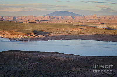 Glen Canyon And Navajo Mountain Art Print by Dave Gordon