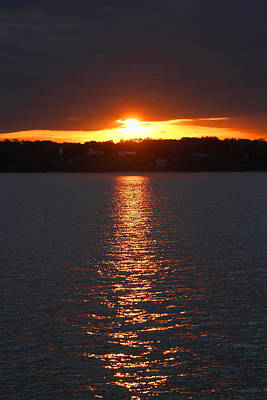 Photograph - Glen Cove Sunset by Bob Slitzan