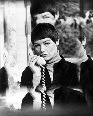 Glenda Photograph - Glenda Jackson In Hopscotch  by Silver Screen