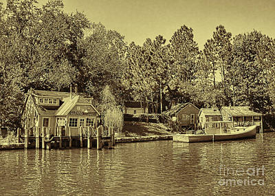 Photograph - Glenns Bait And Tackle by Olga Hamilton