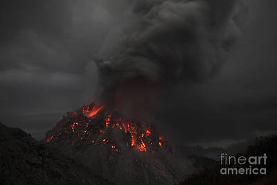 Photograph - Glowing Rerombola Lava Dome Of Paluweh by Richard Roscoe