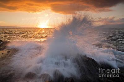 Glowing Sunset Splash Art Print by Paul Karanik