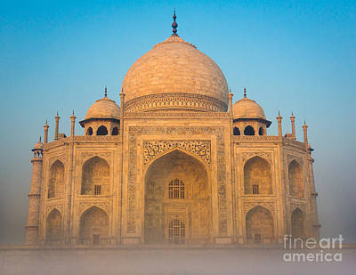 Arches Memorial Photograph - Glowing Taj Mahal by Inge Johnsson