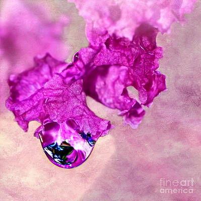 Glowing Water Droplet Art Print