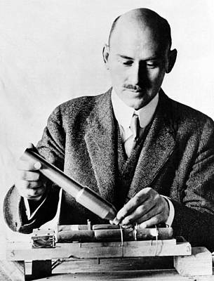 Exploration Of Space Photograph - Goddard Holding Parts Of 1915 Rocket by Science Source