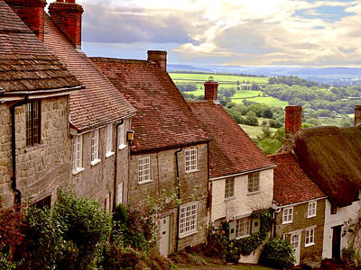 Hill Photograph - Gold Hill Shaftesbury by Nop Briex