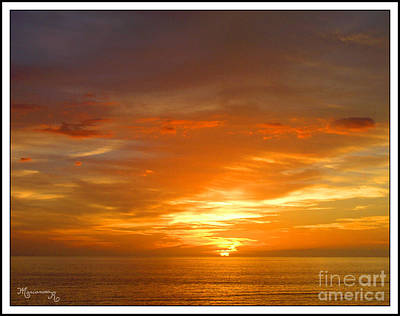 Photograph - Golden Glow by Mariarosa Rockefeller
