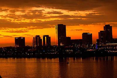 Golden Skys Cloak The Long Beach Skyline Art Print
