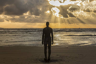 Antony Gormley Photograph - Golden Sunset At Crosby Beach by Paul Madden