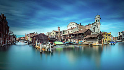 Historic Bridge Photograph - Gondola Workshop In Venice by Sven Kohnke