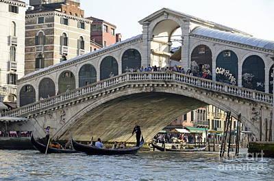 Gondolas Beneath Rialto Bridge On Grand Canal Art Print