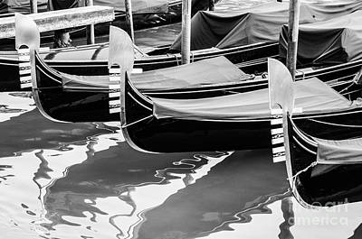 Abstract Oil Paintings Color Pattern And Texture - Gondolas by Luis Alvarenga