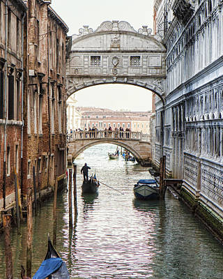 Gondolas Under Bridge Of Sighs Art Print by Susan Schmitz