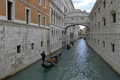 Photograph - Gondolas Under Bridge Of Sighs by Tony Murtagh