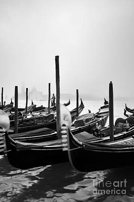 Veneta Photograph - Gondoliere by Francesco Carovillano