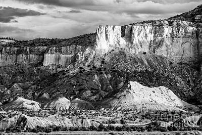 Indiana Landscapes Photograph - Good Morning Ghost Ranch - Abiquiu New Mexico by Silvio Ligutti