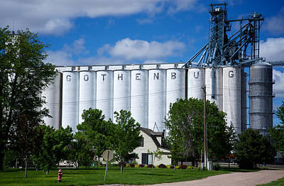 Photograph - Gothenburg Nebraska by Mary Lee Dereske