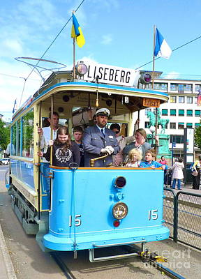 Photograph - Gothenburg Vintage Tram by Leif Sodergren