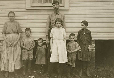 Alabama Drawing - Gracie Clark, Spinner, With Her Family, Hunstville, Alabama by Litz Collection