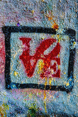 Photograph - Graffiti Love by Susan Candelario